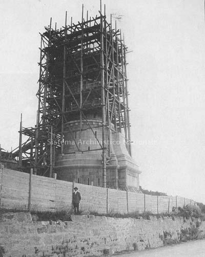 Faro della Vittoria in costruzione - Trieste